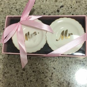 💖NIB💖 set of mr. and Mrs. small plate ring dish.